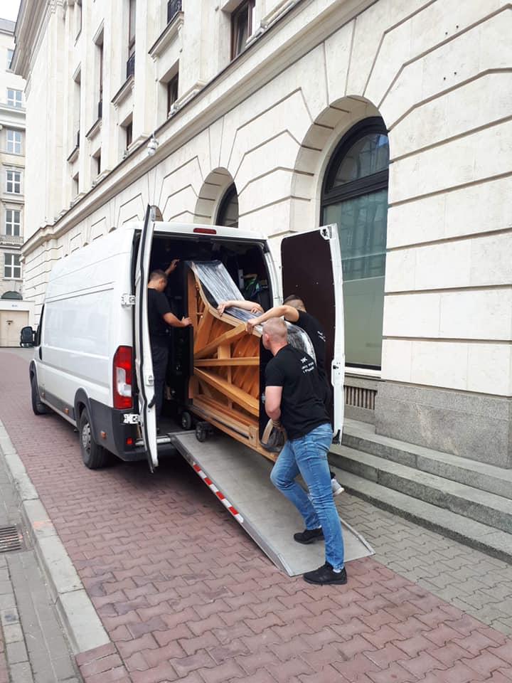 Transport fortepianu dla Filharmonii Narodowej